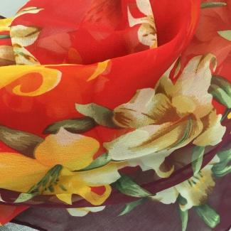 Hodvábny šál Mila Schön Lilies - červená